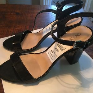 Shoes - NWT Black patent block heel Sandal NEW